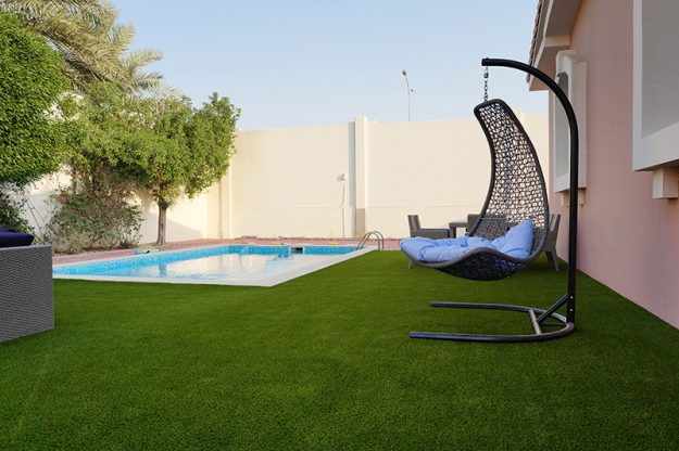 Royal Grass artificial grass around swimming pool